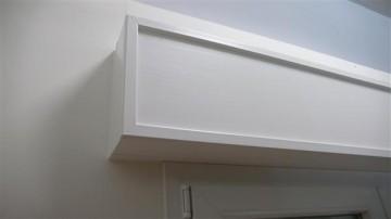 Cassonetti PVC colore bianco, altezza 350 mm, lunghezza 1200 mm, profondita massima di montaggio 150 mm immagini