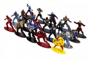 Set 20 De Figurine Metalice Cu Eroii Marvel Si Figurina Iron Man Inclusa