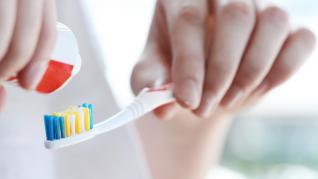 Eficacitatea pastei de dinți în reducerea micro-florei din periuța de dinți