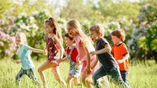 Jocurile Copilariei - Lista pentru Jocuri Vechi din Copilarie + Regulamente