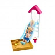 Barbie Skipper: set accesorii tobogan si papusa baietel blond