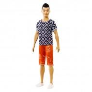 Papusa Ken asiatic cu tricou romburi si pantaloni rosii