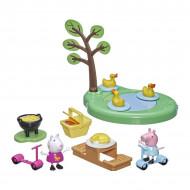 Set de joaca Peppa Pig cu figurine Peppa si Suzy - La picnic