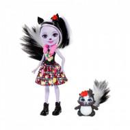 Papusa Sage Skunk cu figurina Caper EnchanTimals