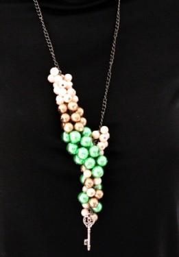 "Colier ""Ciorchine de perle"""