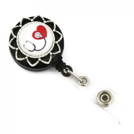 Accesoriu ecuson stetoscop negru si inimioara rosie - stea argintie