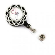 Accesoriu ecuson stetoscop cu fundal alb - model floricica