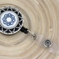 Accesoriu ecuson personalizat cu mandala albastra - stea argintie