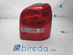 Farolim Direito Audi A4 99-00 Avant