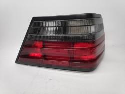 Farolim Direito Mercedes W124 e Class Berlina / Coupe / Cabrio 85-95