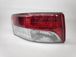 Farolim Esquerdo Toyota Avensis Sedan 4P 08-12