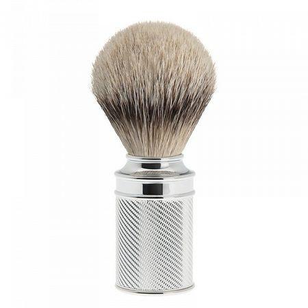 Pamatuf Silvertip Badger, cu par de bursuc si maner cromat Dimensiuni: 31 mm x 100 mm size: 130 g Tara de origine: Germania