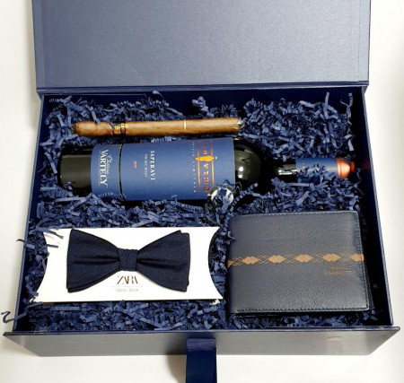 Blue Box - Wine & Wallet