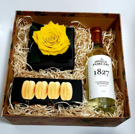 Romantic Yellow Rose