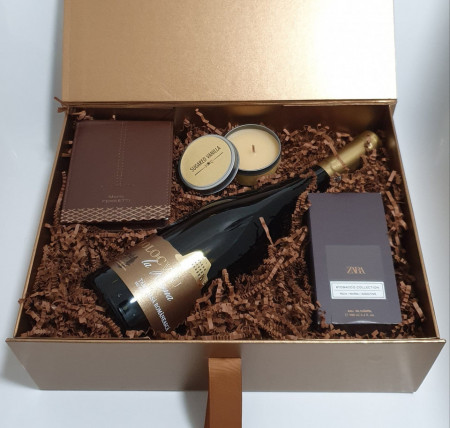 Brown Box - Wine, Wallet & Eau de Toilette