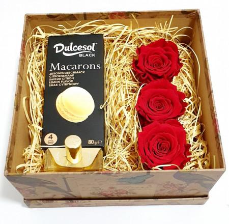Mini Box - Roses & Macarons