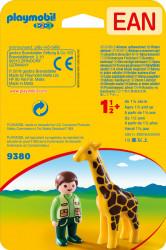 1.2.3 Ingrijitor Zoo Cu Girafa