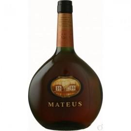 """Vinho """"Mateus"""" rosé"""
