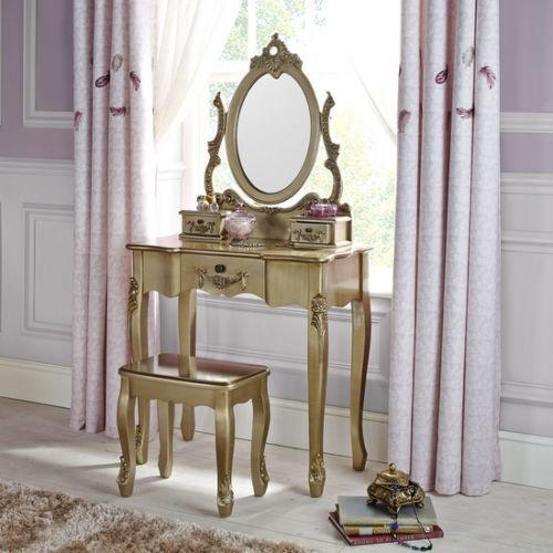 Seau51 - Set Masa Aurie Toaleta Cosmetica Machiaj