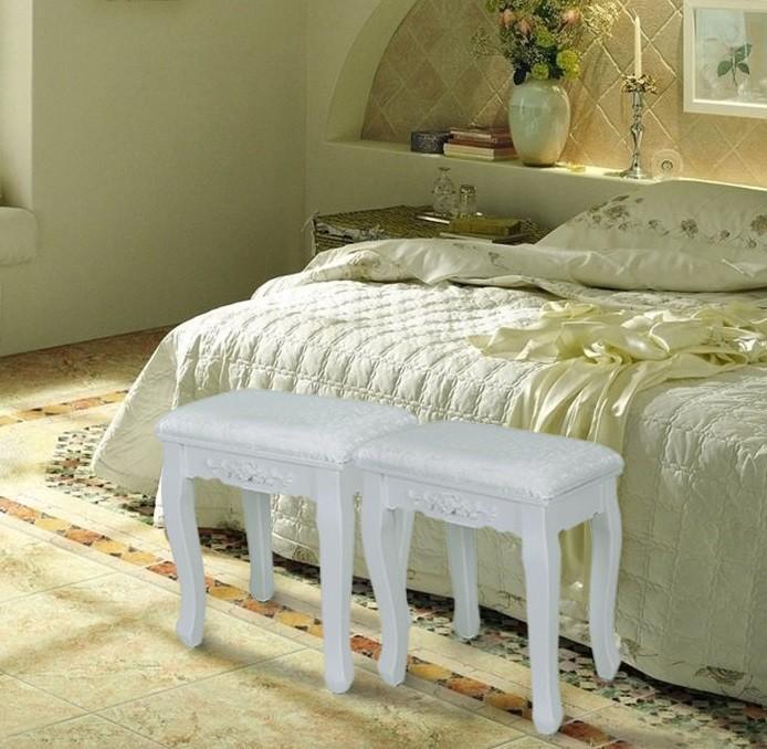Sca103 scaun tapitat alb cu trandafiri masa toaleta for Divan livrare