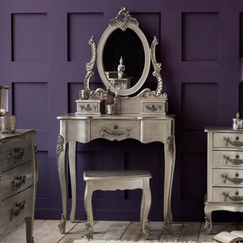 Poza Set Masa Argintie Toaleta Cosmetica Machiaj Oglinda Masuta