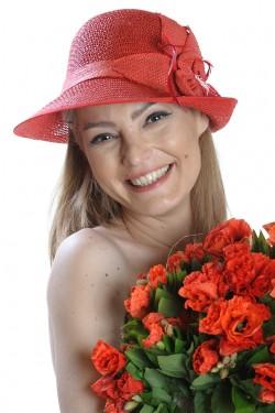 Poze Palarie de vara dama, rosie, decorata cu floare si pene