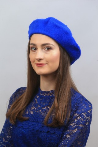 Bereta ,culoarea albastra