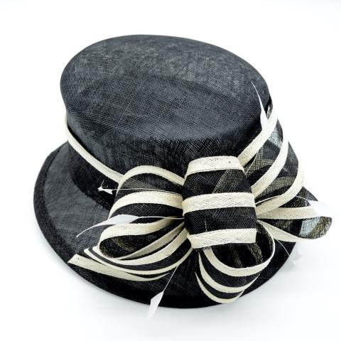 Pălarie neagră elegantă cu bentița bicoloră