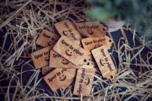 Etichete de cadou din lemn pentru vin - 6.5x3cm