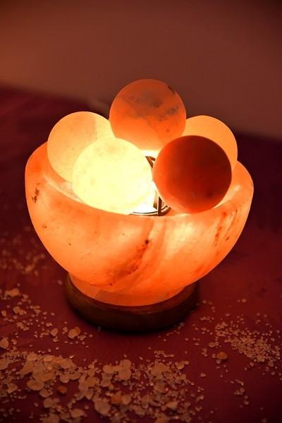 Lampa od himalajske soli VATRENE KUGLE