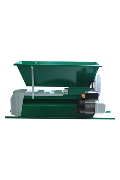 Muljača elektromotorna za grožđe sa funkcijom odvajanja peteljki (puž) 900x500 GRIFO