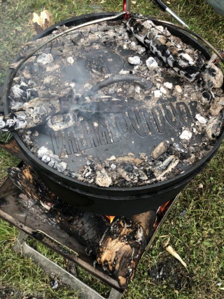 Valhal Dutch oven 13l sa nogicama