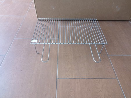 Roštilj žica sa nogicama 63x40 cm INOX