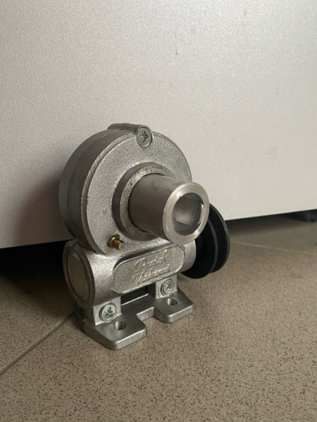 Reduktor za mašinu za mlevenje mesa R-22