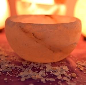 Posuda za salatu od himalajske soli