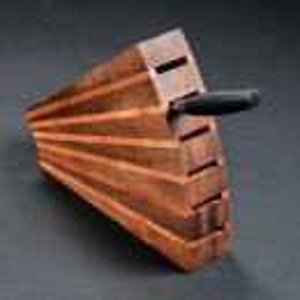 Blok za noževe - Orah/trešnja 270x220x65 mm