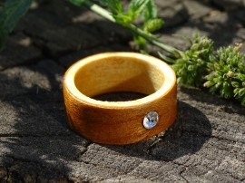 Poze Inel din lemn si sticla fuzionata; Inel eco frendly din lemn; Inel exclusivist din lemn si sticla;  Swarovski Crystals Ring, Wooden ring with Swarovski crystal, One of a kind wooden ring, Made with Swarovski® Crystals