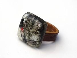Poze R17012;Inel din lemn si sticla fuzionata; Inel eco frendly din lemn; Inel exclusivist din lemn si sticla; Inel peisaj in sticla de purtat pe deget;Inel din sticla si lemn unicat;Inel autentic din lemn; Inel artistic din lemn