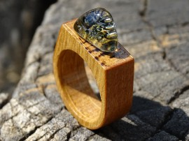 Poze Inel din lemn si sticla fuzionata; Inel eco frendly din lemn; Wooden ring, Inel peisaj in sticla de purtat pe deget;Inel din sticla si lemn unicat; Rain Drops Ring, Jewelry encapsulating the beauty of nature,  Wearable Landscape Glass