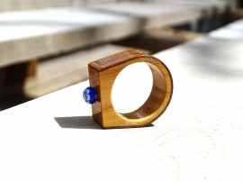 Poze Inel din lemn si sticla fuzionata; Inel eco frendly din lemn; Inel exclusivist din lemn si sticla; Inel peisaj in sticla de purtat pe deget;Inel din sticla si lemn unicat; Wooden ring with millefiori, One of a kind wooden ring