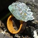 Inel lemn sticla fuzionata, Inel exclusivist din lemn si sticla; Inel peisaj in sticla de purtat pe deget;Inel din sticla si lemn unicat; Sculptural wooden ring