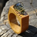 R17155; Inel din lemn si sticla fuzionata; Inel eco frendly din lemn; Wooden ring, Inel peisaj in sticla de purtat pe deget;Inel din sticla si lemn unicat; Rain Drops Ring, Jewelry encapsulating the beauty of nature,  Wearable Landscape Glass