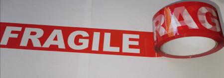 Banda adeziva FRAGILE MARE tip SILENT - 50 mm x 66 m - 1 buc