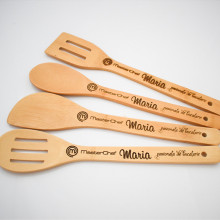 Set 4 linguri de lemn personalizate