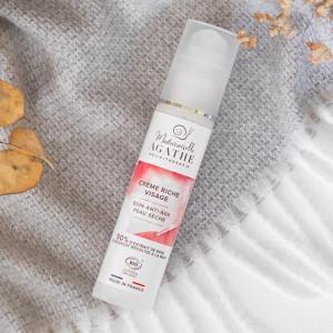 Cremă bogat hidratantă organică, tratament anti-age pentru piele uscată sau foarte uscată, 50% extract din mucus de melc nestresat, 50ml
