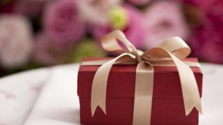 Nu ai nevoie de o zi speciala pentru a o face fericita! Alege sa faci cadouri pentru a mentine relatia armonioasa