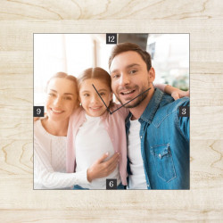 Ceas patrat personalizat cu o fotografie