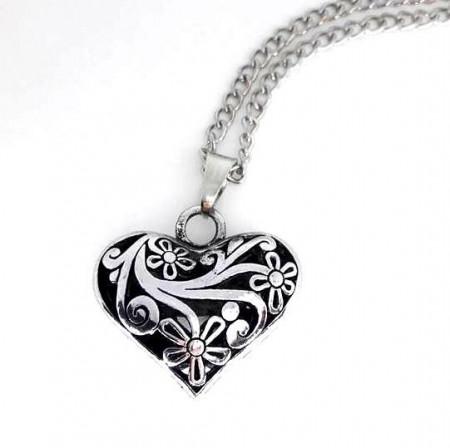 Slika Vintage Heart posrebrena ogrlica