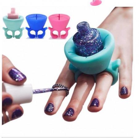 Slika Prsten držač - lakirajte nokte uvek i svuda
