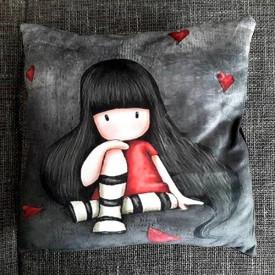 Plišani dekorativni jastuci sa popularnim devojčicama